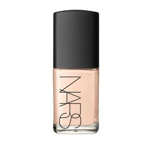NARS Sheer Glow Foundation Oslo
